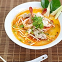 H7. Pho Thai Curry Noodle Soup