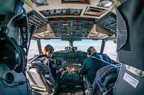 Cockpit of the Dash 7