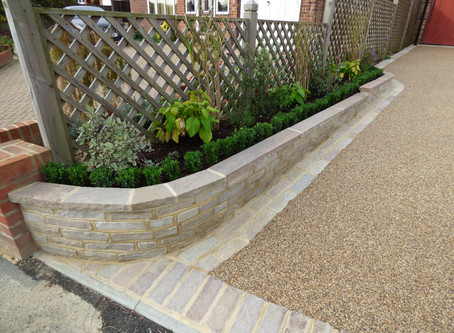 Resin Bound Driveway with Tumbled Sandstone Edging