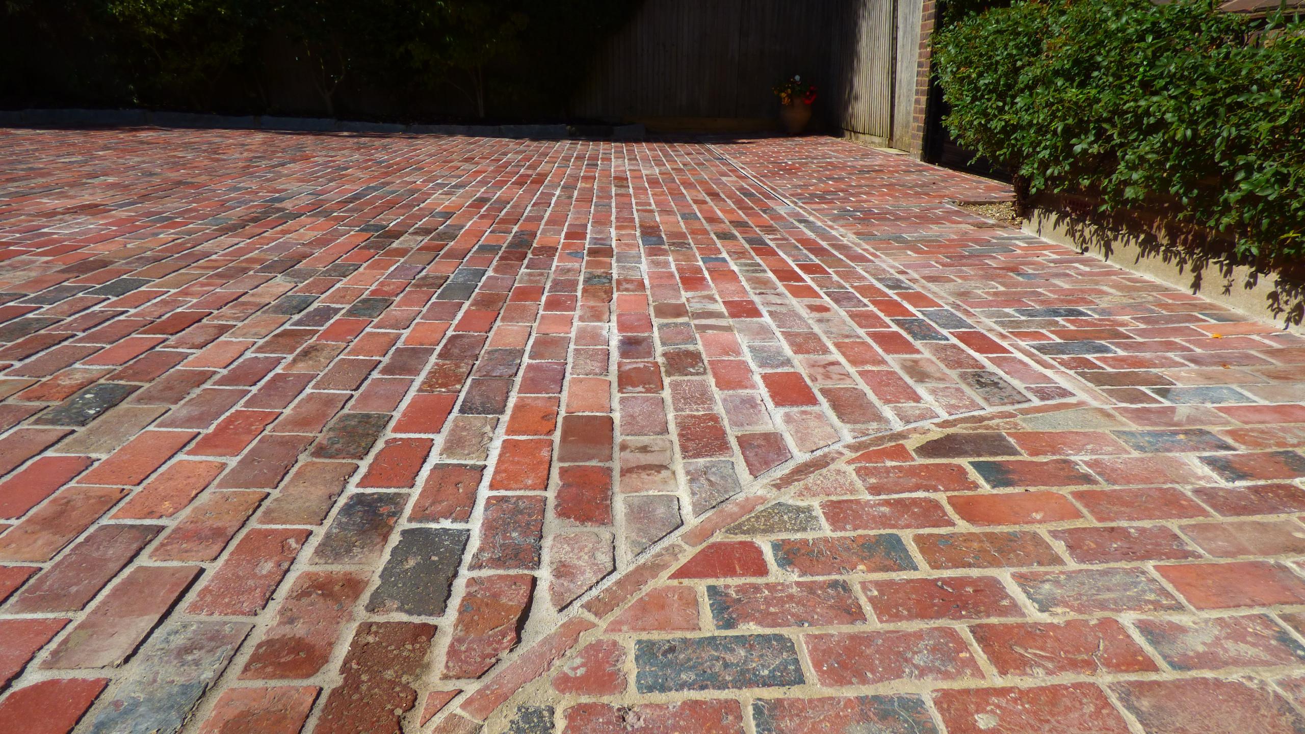 Reclaimed Victorian brick detail