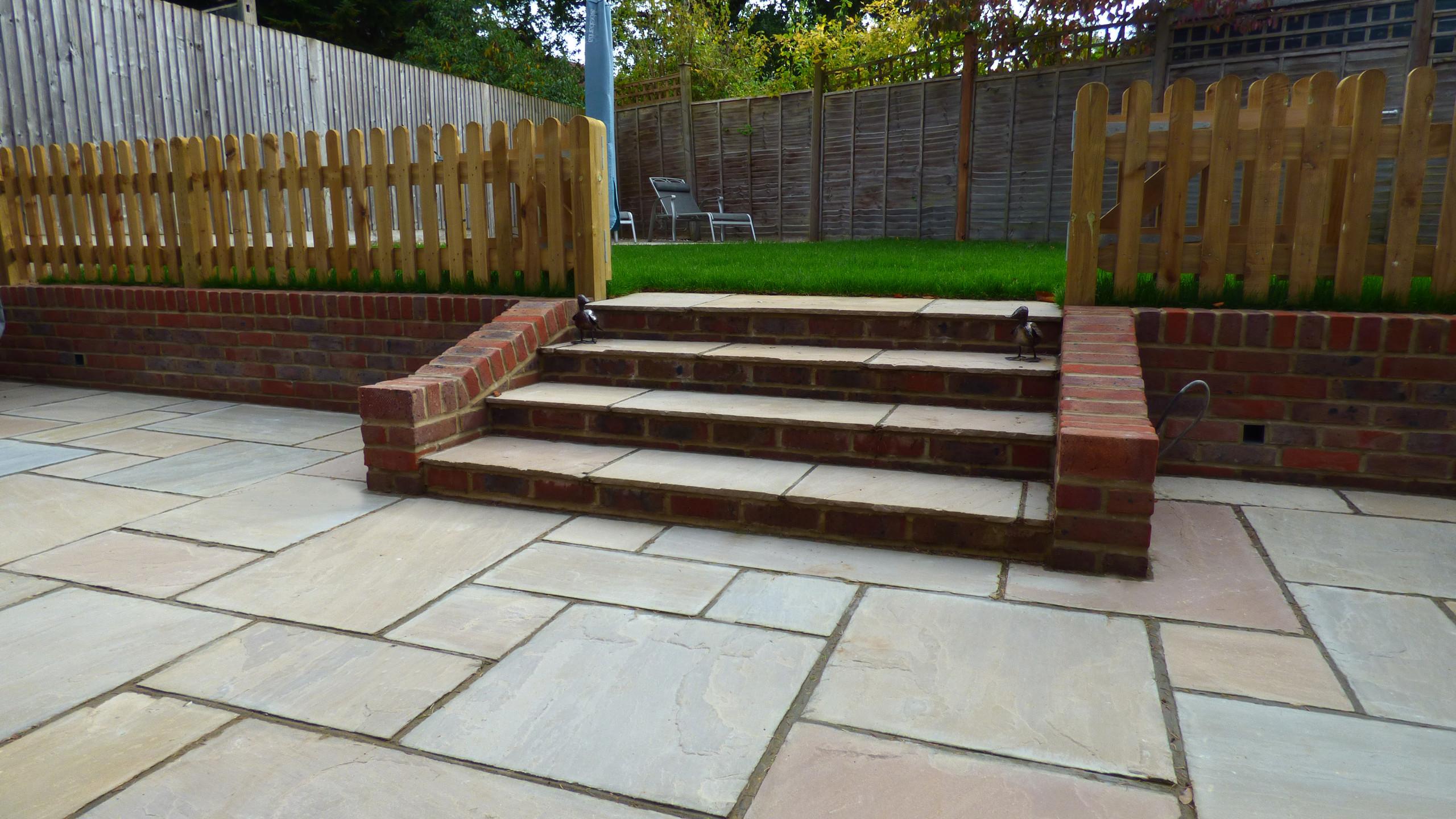 Brett Rivern Sandstone in Forest Glen patio with steps