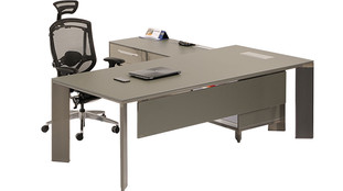 Lavan-beta-executive-office-desk-with-me