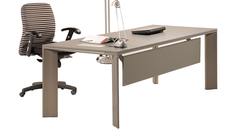 Lavan-Landa-modern-office-executive-desk