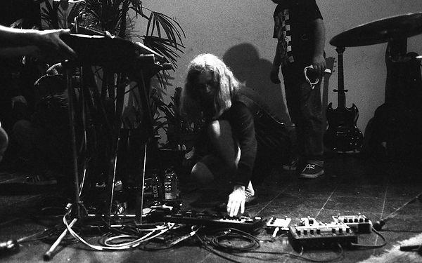 Prueba de sonido previa al show de Juana Molina en Club Paraguay.