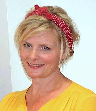 Portrait Artist Livvy Stainer
