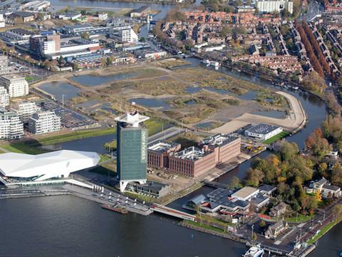 20121106-1428 Het voormalige Shellterrein verandert de komende jaren in een stedelijke woon-en werkwijk met culturele voorzieningen en horeca.