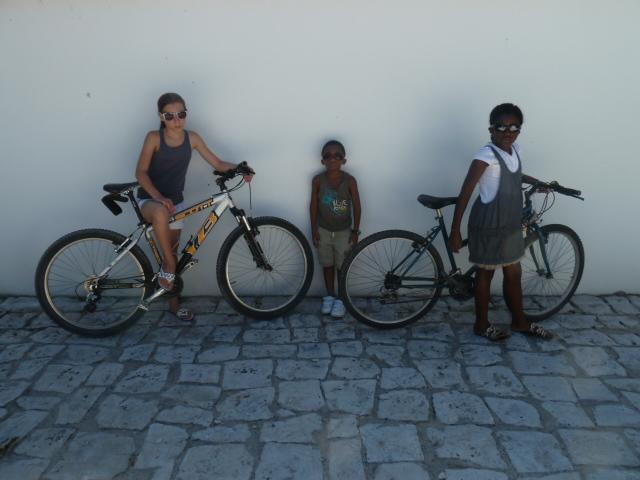 Emmy, Khrystan et Manuela