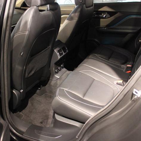 Jaguar hinten.jpg