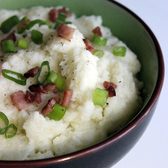 Cauliflower Mash w/Paleo Gravy