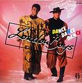 Maué_London_Boys_Dance_Dance_Dance.jpg