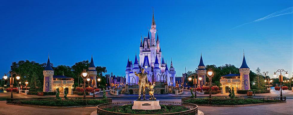 MK-Cinderella-Castle-Panorama-1400x550_a