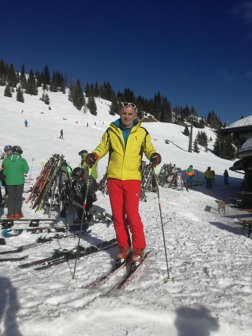 Kachliarstvo ma živí, lyžovanie milujem.