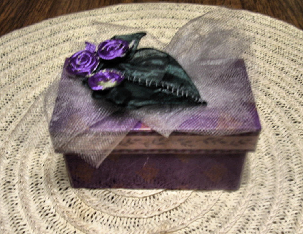 Ribbon Decorated Favor box