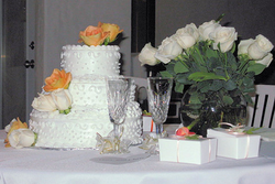 Elegant Wedding Cake Table