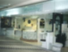 In 1998, Hemsley move it's showroom at 19 Clemenceau Ave