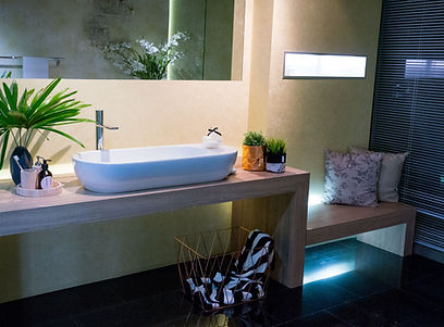 2017 Hemsley Showroom showcases bathroom design featuring European-Made products.