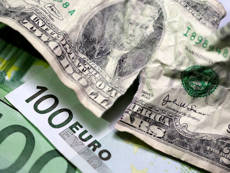 Forex - Dollar Edges Higher, But Trend Points South