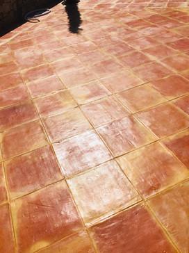 suelo-peldano-barro-cocido.JPG