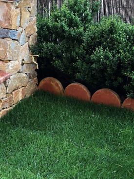 jardinera_rustica_barro.jpg