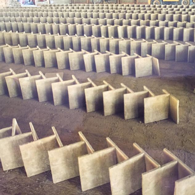 balsosas de barro en proceso de secado.jpg