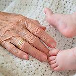 grandma-3628304_640 - コピー.jpg