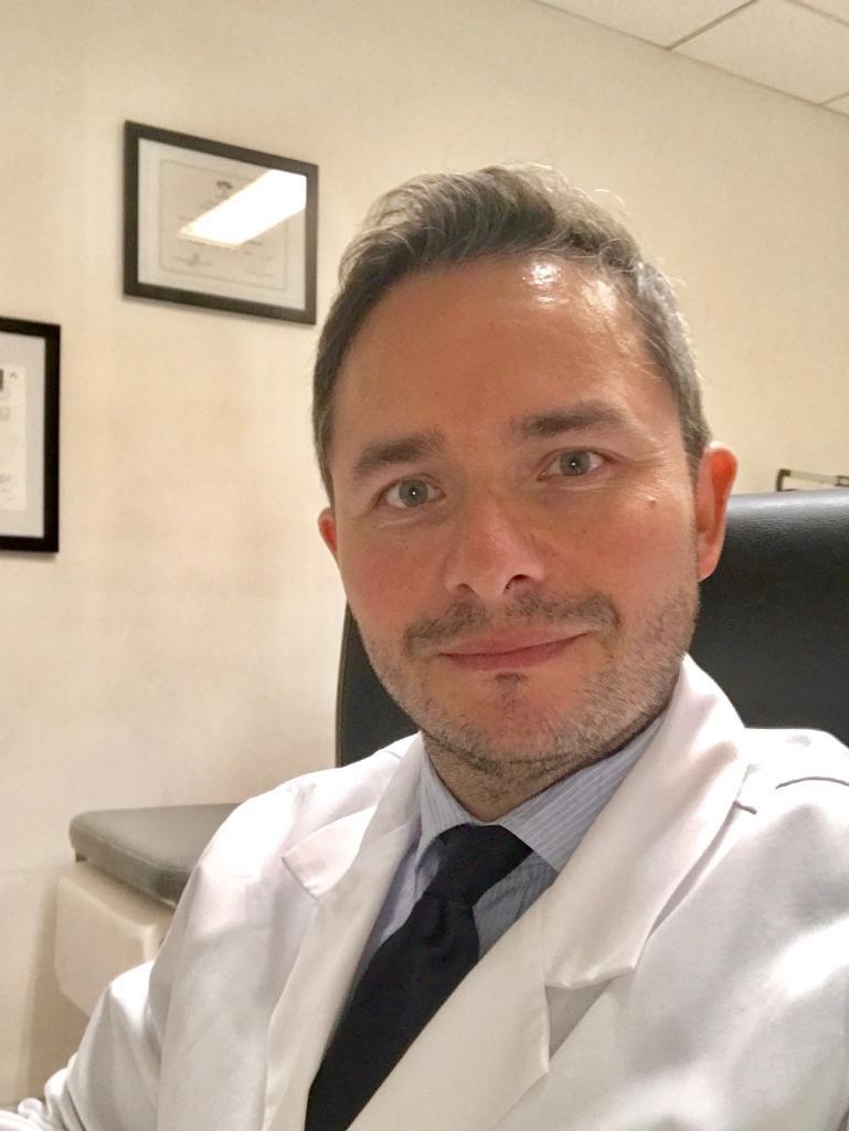 Dr Daniel Vega, Cirugía Hombro/Rodilla