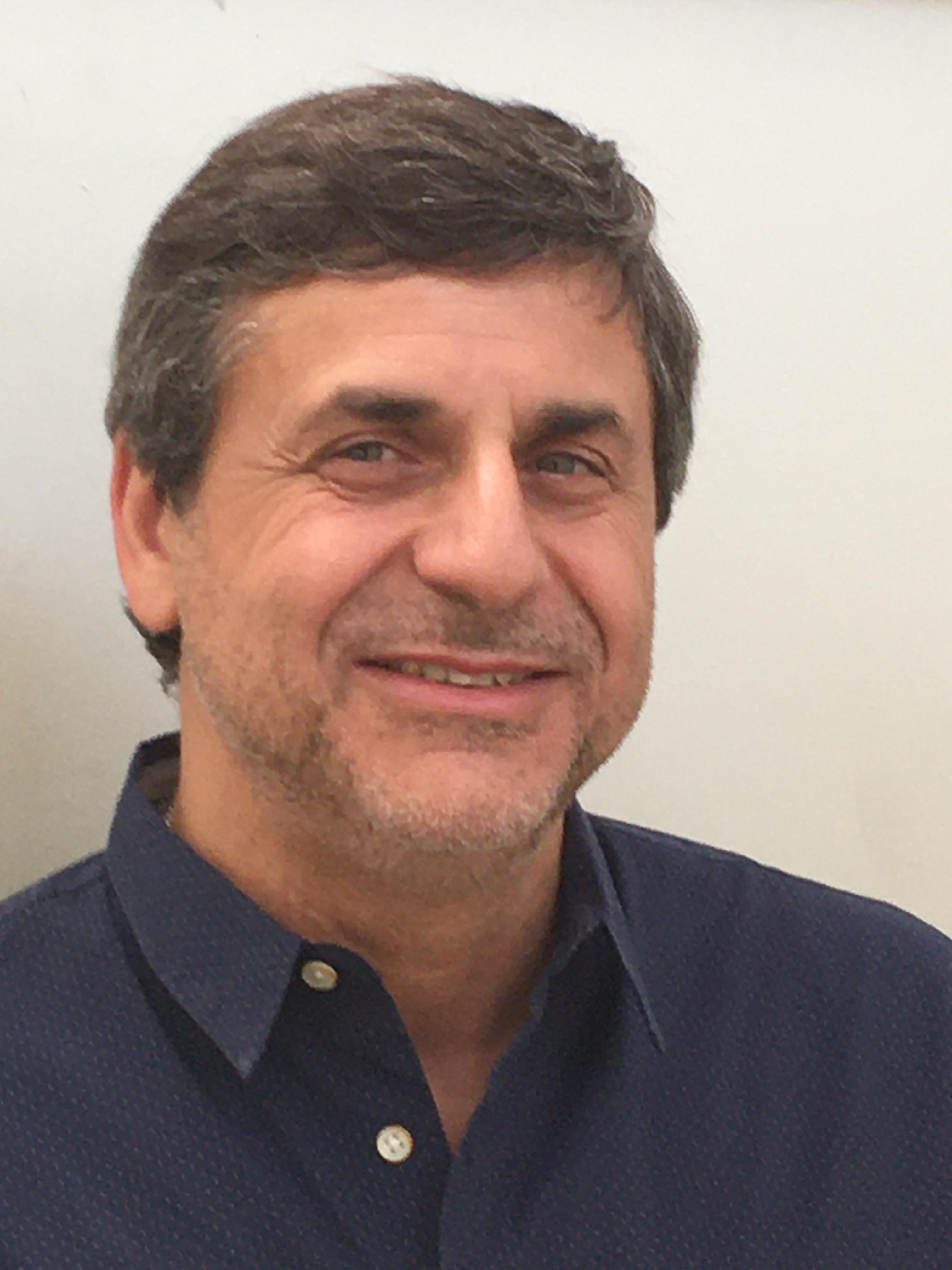 Dr Cristian Herbias, Cirugía de mano