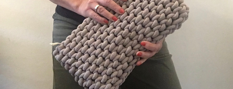 Large neutral 'Pearl' clutch