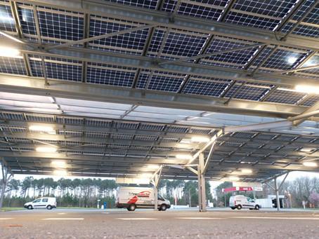 Parking couvert d'ombrières solaires à L'intermarché de LE PORGE (33)