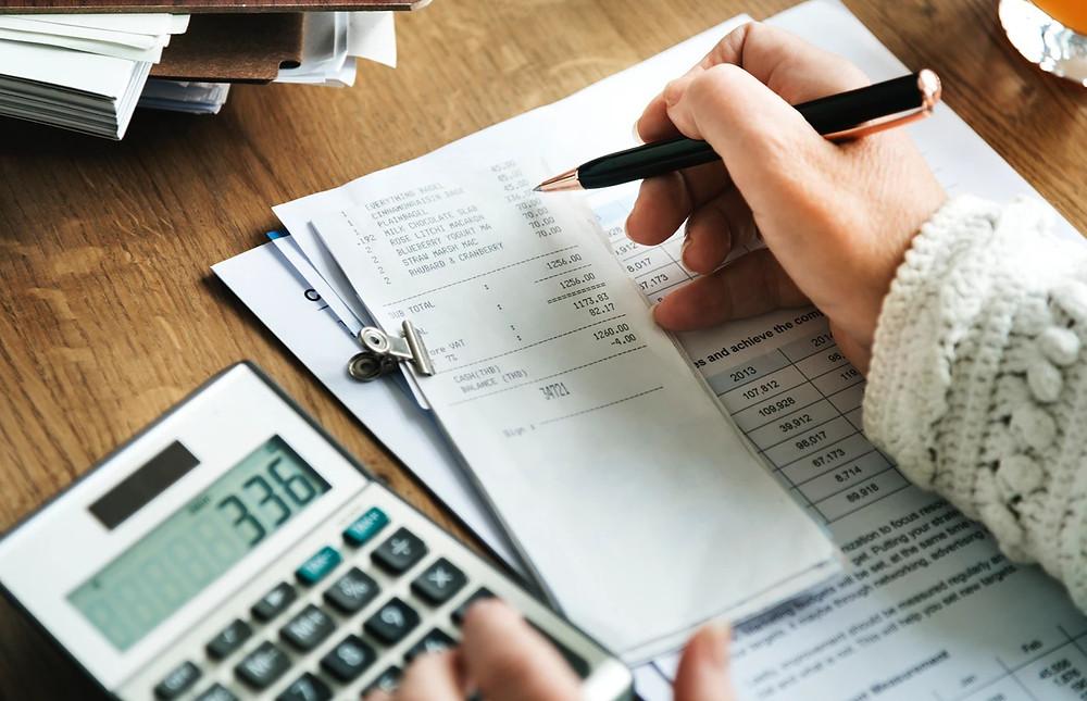 Saiba quanto custa um inventário extrajudicial e como fazer para economizar dinheiro no processo.