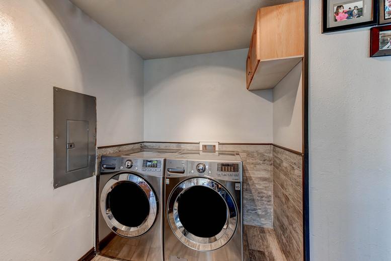 012_laundryjpg