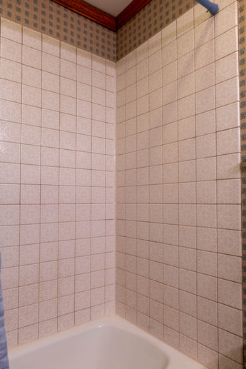 15595-ashlanddr-tub-shower-to-mstr-bth