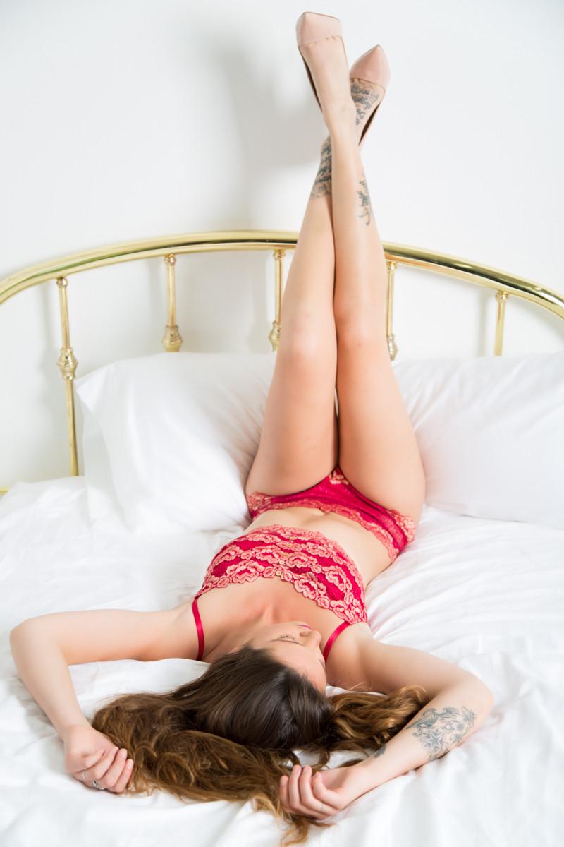 StudioR Boudoir Santa Cruz - with red lingerie