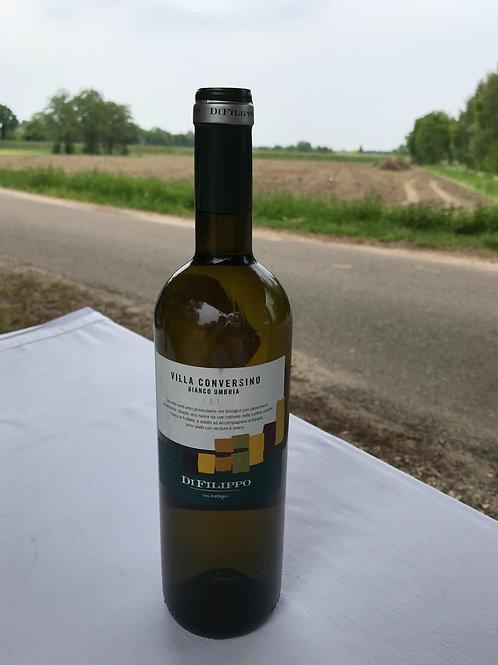 Villa Conversino Bianco 750 ml. Heerlijk voor bij de groentenstoof met kippendij