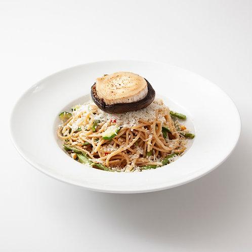 Spaghetti all' aglio olio e peperoncino met gevulde portobello voor 1 persoon