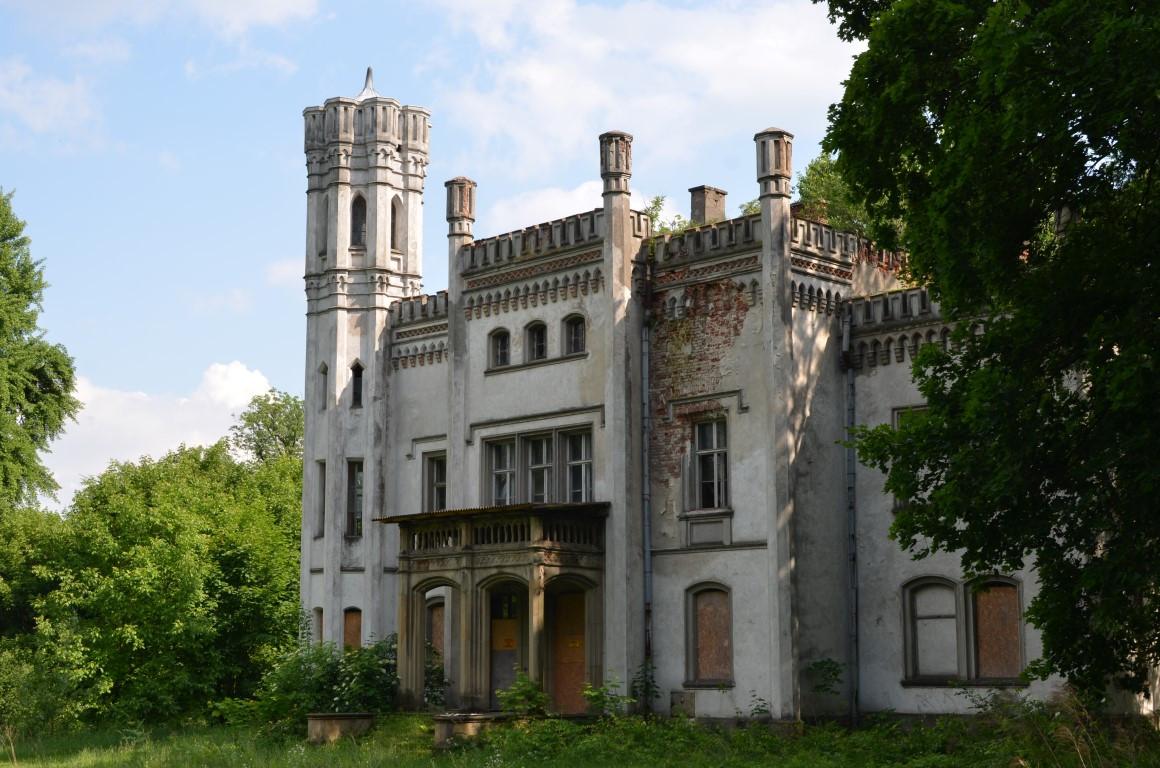 pałac w Piekarach