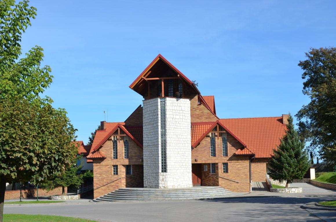 kościół na terenie Radosnej Nowiny