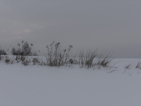 na całej połaci śnieg...