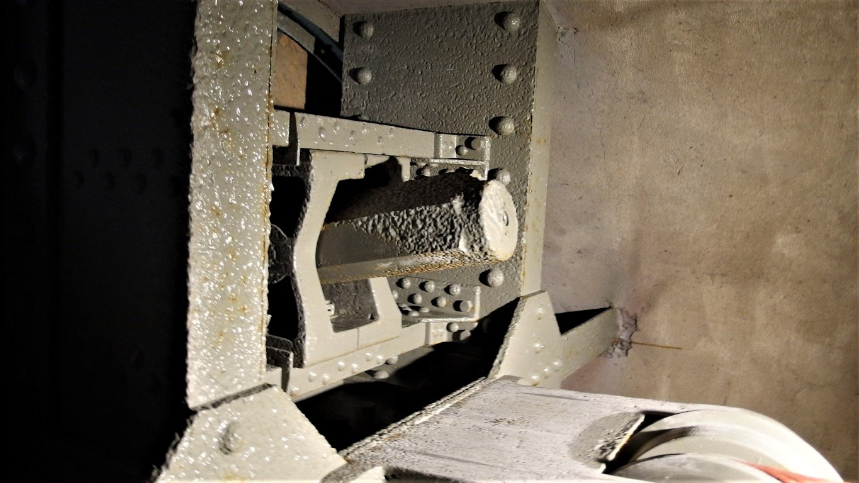 Wieża pancerna wysuwalno-obrotowa pierwotnie uzbrojona w szybkostrzelną 8cm armatę