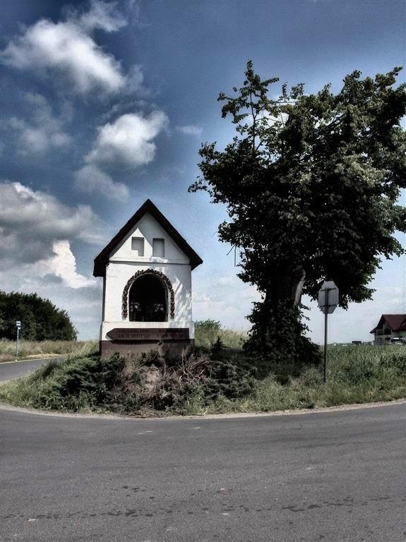 kapliczka w Rącznej na pamiątkę przejścia Jana III