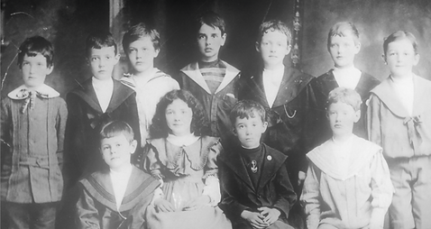 1903 Ten boys and one girl.png