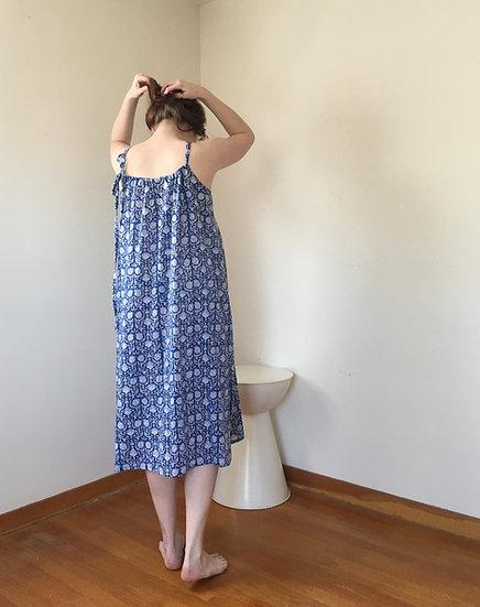 blue & white cotton size large