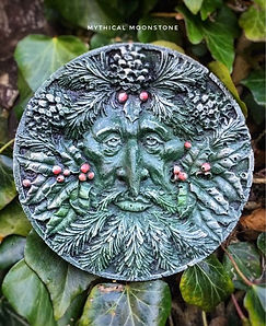 mythical-holly-stone-green-man-garden-wall-ornament-gift