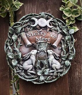 mythicalgreenstonemoongazingharewallornamentplaquegift