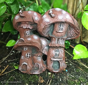 red-mythical-stone-fairy-mushroom-house-garden-ornament-wall-plaque-gift