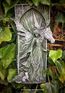 mythicalgreenstonegardenwallornamentgift
