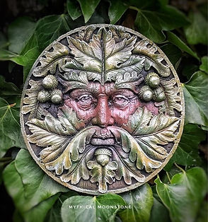 mythical-stone-acorn-green-man-wall-ornament-gift