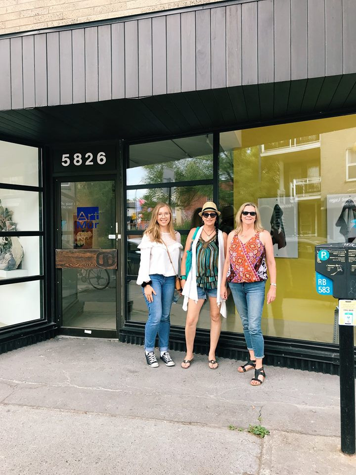 Three U of S Students selected for Fresh Paint/New Construction show outside of the Art Mûr commercial gallery (from left): Tia Furstenberg, Cristine Andrew-Stuckel, Diana Roelen