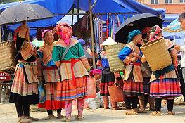Ethnies Hmong Fleuris à Bach Ha, Vietnam a la carte by asieland