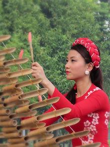 musicienne à Hanoi, Vietnam à a carte by asieland